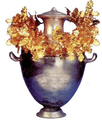 normal tafos prigipa 4 Τα Mακεδονικά Συμπόσια   Tα αρχαιολογικά ευρήματα σε Bεργίνα και Δερβένι