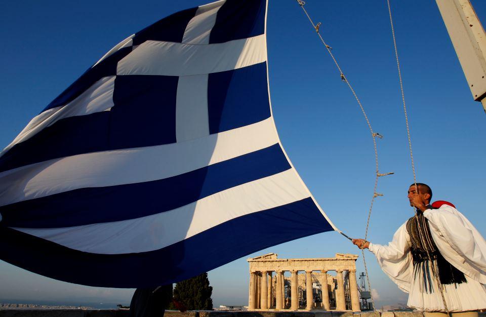 Τα εθνικά θέματα μπροστά στο 2013