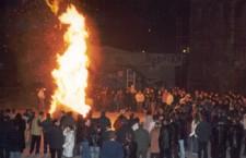 """""""Κόλιαντα"""" και """"Κλαδαριές"""": Χριστουγεννιάτικα έθιμα στη Μακεδονία"""