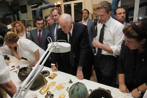 papandreou makedonikos thysauros Αρχαιολογικός μακεδονικός θησαυρός κατασχέθηκε σε χέρια αρχαιοκαπήλων