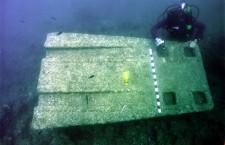 Αρχαίο πυλώνα από γρανίτη ανακάλυψε ελληνική αποστολή στα νερά της Αλεξάνδρειας