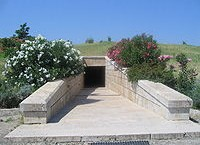200px Vergina Tombs Entrance 200x145 100 Modern historians about the greekness of ancient Macedonia