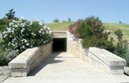 A alexandros 12195 ΜΑΚΕΔΟΝΙΑ Παλαιοχριστιανικός τάφος είχε κτισθεί με τμήματα του ανακτόρου των Αιγών