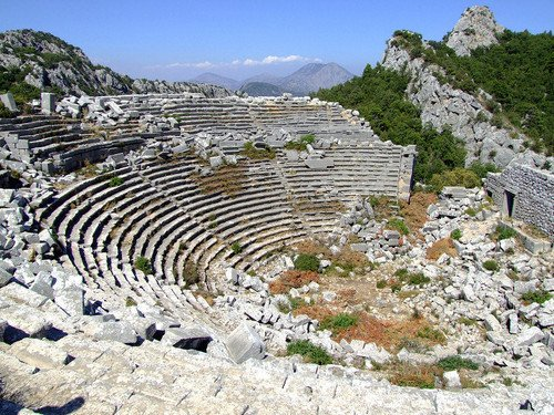 PISI1 Ο τάφος ενός επώνυμου Μακεδόνα στα βουνά της Πισιδίας