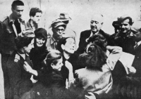 Reunion of abducted girls with their families small Governor General of Macedonia thanks Red Cross, 1919