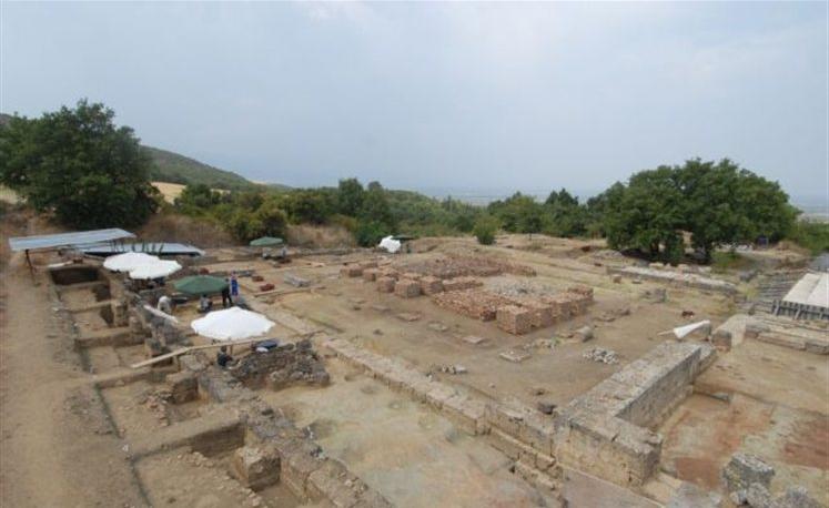 AI  ΜΑΚΕΔΟΝΙΑ Παλαιοχριστιανικός τάφος είχε κτισθεί με τμήματα του ανακτόρου των Αιγών