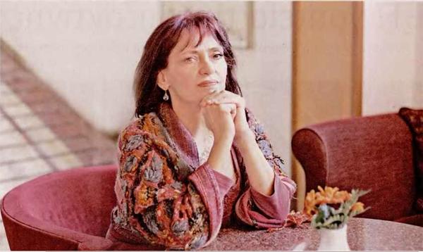 aggeliki kottaridi Αγγελική Κοτταρίδη : Βγάζω από το χώμα αποδείξεις ελληνισμού