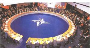 sunedrio nato 300x162 Σκόπια   Ξανά στο κατώφλι του ΝΑΤΟ