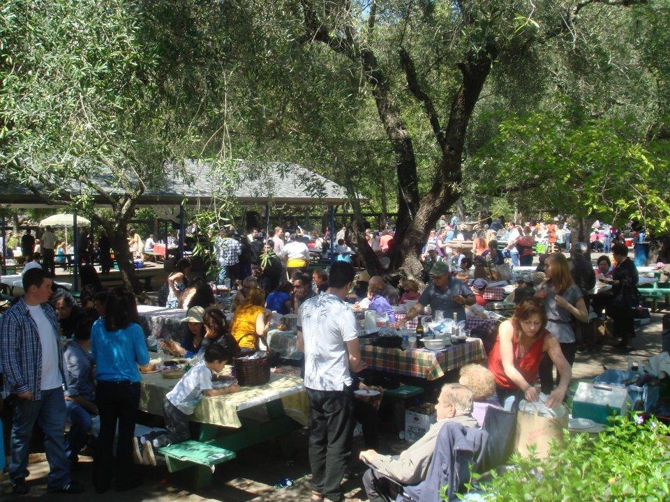 577458 10150927590717023 631952022 9463320 1749083342 n Πασχαλινό πανηγύρι από Έλληνες Ομογενείς στο Μακεδονικό Πάρκο της Καλιφόρνια