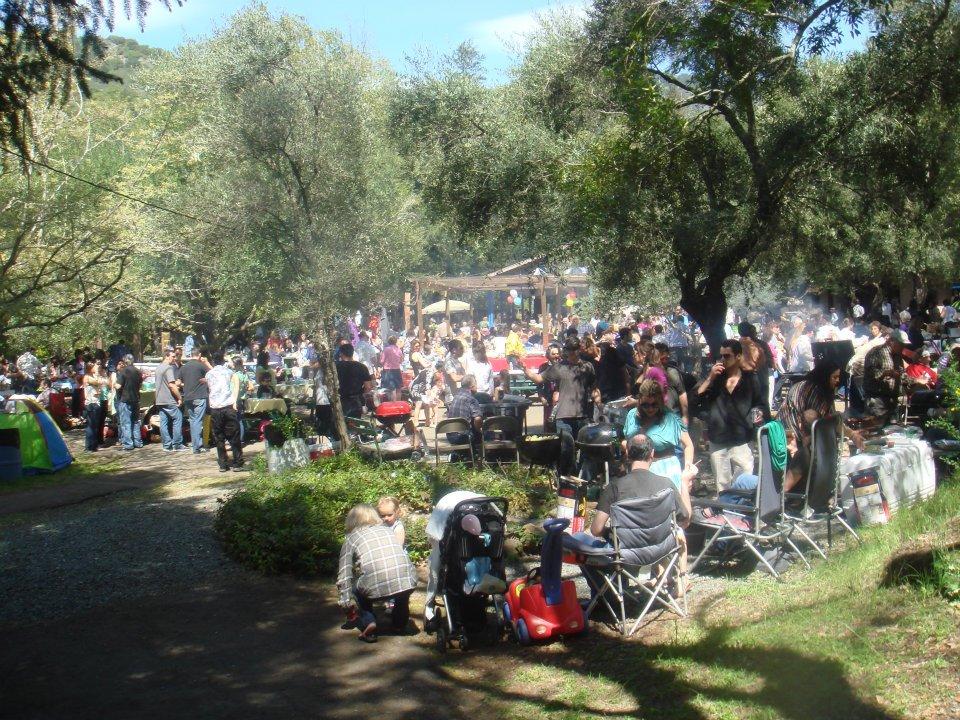 579486 10150927590792023 631952022 9463321 1102014047 n Πασχαλινό πανηγύρι από Έλληνες Ομογενείς στο Μακεδονικό Πάρκο της Καλιφόρνια