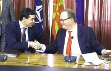 poposki meeting1 225x145 Αίσθηση και αντιδράσεις για αποκαλύψεις σχετικά με συνεργάτες των μυστικών υπηρεσιών της πρώην Γιουγκοσλαβίας