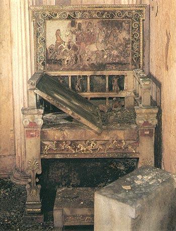 vergeur3 O Tάφος της Ευρυδίκης ή Τάφος του Θρόνου στις Αιγές