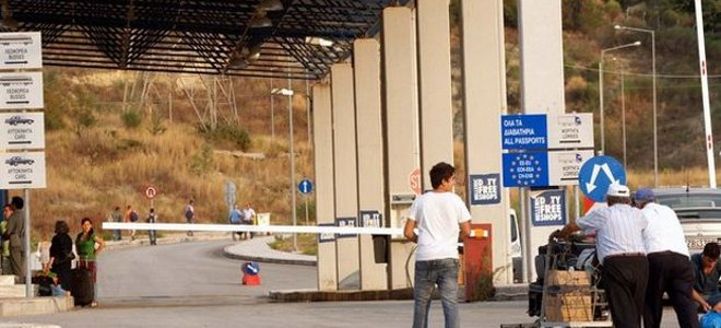 teloneiakoi3 Oι Σκοπιανοί Τελωνειακοί  ζητούν δωράκια από Έλληνες Φορτηγατζήδες
