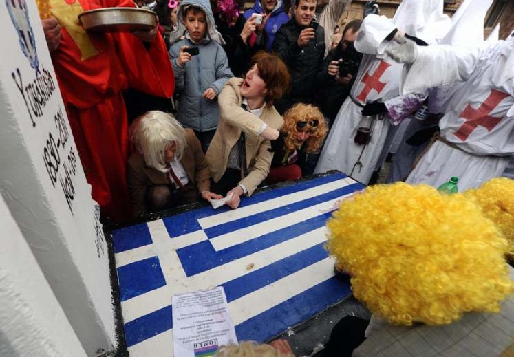 vevcani2 Συνεχίστηκαν και φέτος τα καραγκιοζιλίκια των Σκοπιανών εναντίον της Ελλάδας στην Βέβτσανη (Φωτογραφίες)