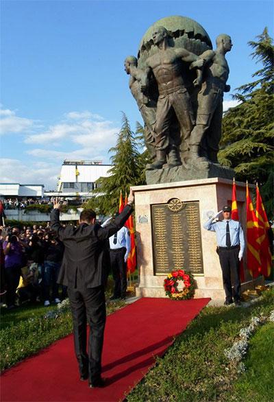 tarcu2 Συνεχίζονται τα αλυτρωτικά όνειρα στα Σκόπια