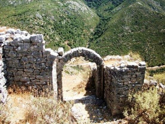 Makedonia Κάστρα και μονολιθικά μνημεία της Άνω Μακεδονίας