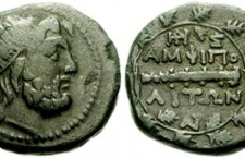 Amphipolis5 225x145 Ν. Ξυδάκης: «Η ανασκαφή να προσγειωθεί από την υπερβολή της δημοσιότητας»