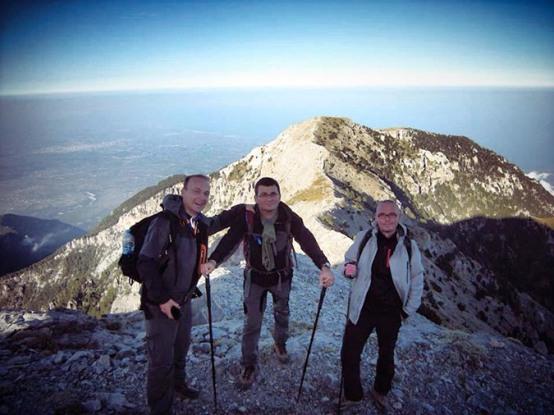 scorpians8 Σκοπιανό παραλήρημα: Στην κορυφή του Ολύμπου με τον Ήλιο της Βεργίνας ο Μιλόσοσκι