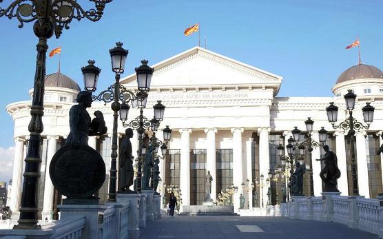 Παρασκήνιο και πιέσεις σε Αθήνα, Σκόπια