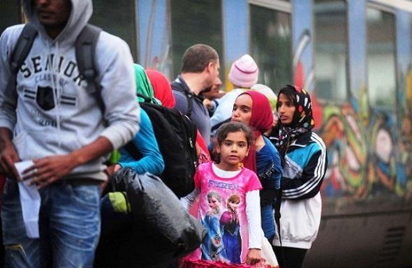 Independent Fisk Ρ. Φισκ: Oι συνοριακοί φρουροί των Σκοπίων δέρνουν πρόσφυγες από τη Συρία