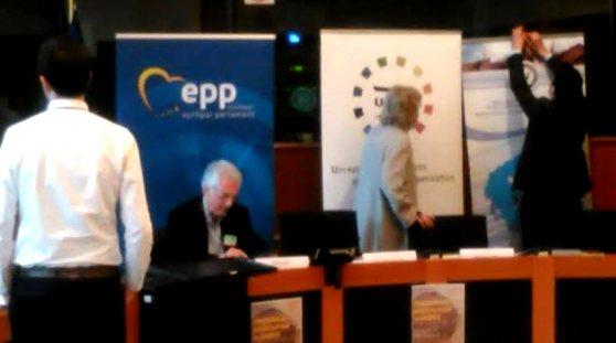 Τουρκόφωνες και φιλοσκοπιανοί κατήγγειλαν την Ελλάδα στην Ευρωβουλή