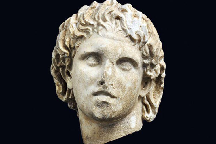 Ο Μέγας Αλέξανδρος στην…υποδοχή του Αρχαιολογικού Μουσείου Πέλλας