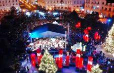 Θεσσαλονίκη: Φωταγώγηση του χριστουγεννιάτικου δέντρου στην Πλατεία Αριστοτέλους